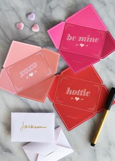 Free printable -fold & send Valentine's cards!