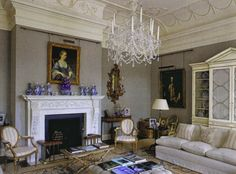 The Drawing Room at Ferne Park. Photo via veeregrenney.com The Devoted Classicist
