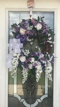 Purple Wreath for Spring #wreaths #springwreath #customwreath #purplewreath #springdecor #purpleflowers #Aliciaswreaths