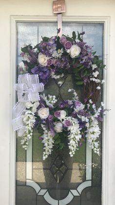Purple Wreath for Spring Spring Door Wreaths, Easter Wreaths, Summer Wreath, Wreaths For Front Door, Purple Swag, Purple Wreath, Wreath Crafts, Wreath Ideas, Americana Crafts