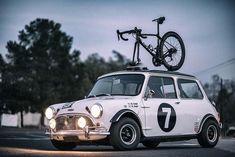 Mini Cooper Classic, Classic Mini, Mini Cooper Custom, Mini Cooper S, Classic Cars, Retro Cars, Vintage Cars, Mini Morris, Enjoy The Ride