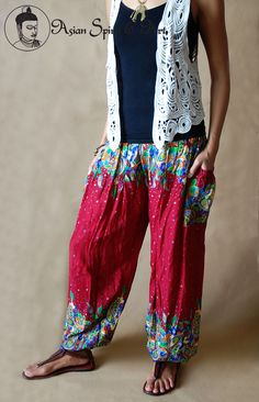 Red floral boho pants - Find our shop at http://stores.ebay.de/Asian-Spirit-and-Art or connect with us on facebook http://www.facebook.com/asian.spirit.art