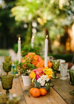 Summer backyard dinner party | photo by Danielle Capito Photography | Florals by The Petal Company