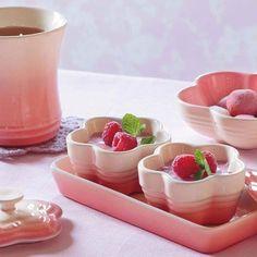 Le Creuset Blumen-Förmchen mit Deckel Chiffon Pink Bleywaren