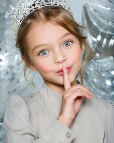 """Sssshhhhh we have something major about to be announced! 😊 ————————————————————— Loving this photo 💝😍 📸…"" Most Beautiful Eyes, Beautiful Little Girls, Cute Little Girls, Beautiful Children, Beautiful Babies, Cute Young Girl, Cute Baby Girl, Cute Babies, Little Girl Photography"