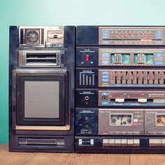 Retro boombox