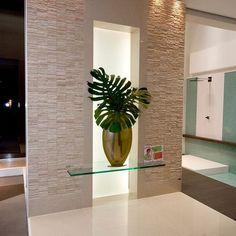 La decoración debe ofrecer a los espacios un aire relajante al mismo tiempo promover la fluidez con su entorno dando armonía y equilibro.