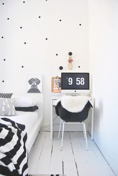5 Black & White Home Offices That Are Anything But Boring