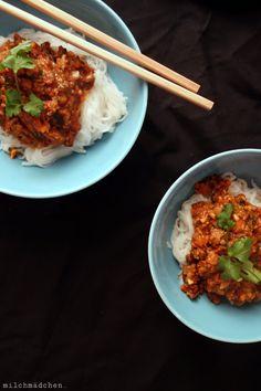 milchmädchen.: Ich halte fest: Asia-Bolo auf Reisbandnudeln