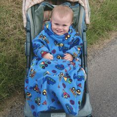 POP-ON Sleeved Fleece Blankets to fit 0-3 years Great for buggies, car seats, snuggling on sofa Colour: Trucks