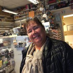 Hatt besøk av verdens beste Elisabeth i butikken i dag ❤️ Såååå kos å se henne! Vi savner butikken vår i Vestby!!! #hobbykunst #hobbykunstnorge