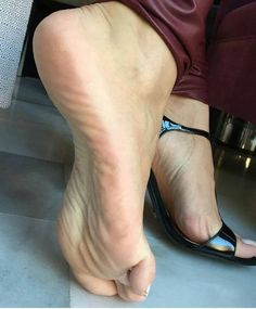 Phrase Rate sexy feet and legs