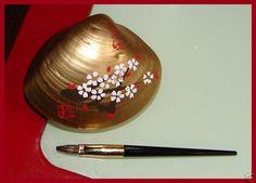 Geiko Painted Seashell Kyobeni Lipstick