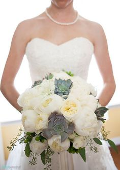 Bouquet Buds Etc Floral Design.  Loving the Photo from Valerie & AJ collection by Indica Woodruff Photography