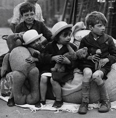 maudelynn:  British Children outside their bombed out row houses, London c.1941 (and that is all for me for today! xo xo )