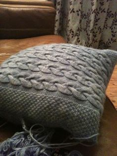 knit cabled pillow pattern