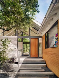 The Collector's House is a contemporary residence designed by Austin-based A Parallel Architecture. The house is located in Sunset Valley Texas Style Homes, Texas Homes, New Homes, Architecture Career, Interior Architecture, Austin Homes, Austin Texas, Sunset Valley, Desert Homes