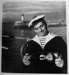 Robert Doisneau - Violoncelle de mer, Maurice Baquet, France, 1961
