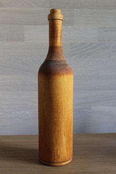 Бутылка из дерева