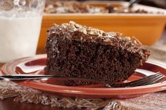 Got the baking bug? Cure it with this easy recipe for chocolate cake with a secret ingredient! Okay, we'll let the secret out. It's one of the world's most popular soft drink flavors. Try our Chocolate Cola Cake for guaranteed raves!