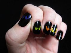 Peering eyes nail art - http://www.ivillage.com/halloween-nail-art/5-a-546075