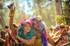 flower crowns and lots of colour. Creative festival makeup every where you look. Rainbow Serpent Festival, Festival Makeup, Flower Crowns, Hipster, Camping, Content, Colour, Outfit, Face