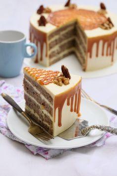 Cake Strawberry Decoration Fruit New Ideas Fondant Cakes, Cupcake Cakes, Cupcakes, Hummingbird Cake Recipes, Resep Cake, Cake Decorating For Beginners, Coffee Dessert, Classic Cake, Fancy Cakes