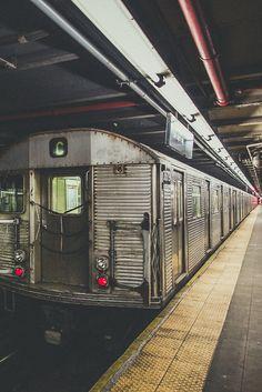 swiftbeat: (by Denn-Ice) New York Subway, Nyc Subway, Urban Photography, Street Photography, Photography Ideas, S Bahn, New York City Travel, Urban Setting, City Maps
