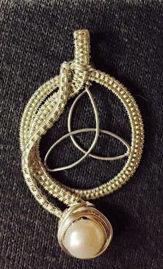 Triqueta Pearl | JewelryLessons.com