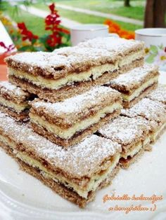 TutiReceptek, képek, cikkek oldala!: Lemezes linzer Hungarian Desserts, Hungarian Cake, Hungarian Recipes, Cake Recipes, Dessert Recipes, Sweet Cookies, Cake Bars, Cakes And More, Baked Goods