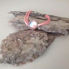 DIY armband pink shine veter met in het midden een leuke steen.