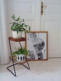 Retro flower stand