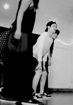Suga are you... twerking? :') American Hustle Life Gif