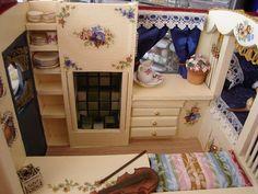 Caravan - Interior by Alennka, via Flickr