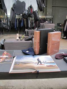 Eenboekskast bij SMRMRKT in Amsterdam