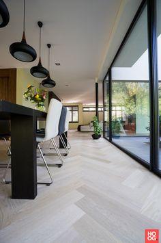 Open Plan Kitchen Living Room, Home Living Room, Living Room Decor, Foyer Flooring, Wooden Flooring, Wooden Floors Living Room, Wood Floor Design, House Staircase, White Oak Floors