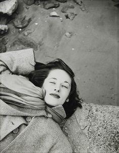 Saul Leiter: Sunday morning (variant), 1947.