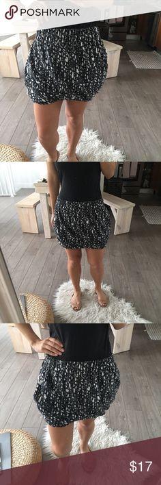 Rachel Roy Mini Skirt, Size Small Rachel Roy, Printed White and Black Mini Skirt, Size Small RACHEL Rachel Roy Skirts Mini