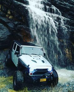 Save by Hermie Blue Jeep, White Jeep, Hummer Truck, Jeep Truck, Custom Jeep, Custom Cars, Jeep Wrangler Rubicon, Jeep Wranglers, My Dream Car