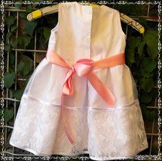 Hochzeitskleidchen Rückseite