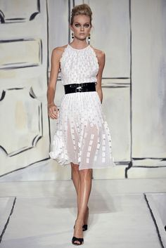 Oscar de la Renta Spring 2009 Ready-to-Wear Fashion Show - Lindsay Ellingson