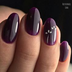 Nail art Christmas - the festive spirit on the nails. Over 70 creative ideas and tutorials - My Nails Elegant Nail Designs, Elegant Nails, Gel Nail Designs, Fancy Nails, Trendy Nails, Purple Nails, Glitter Nails, Burgundy Nails, Burgundy Wine