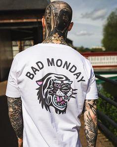 bad monday t shirt T Shirt Designs, Shirt Print Design, Streetwear Mode, Streetwear Fashion, Graphic Shirts, Printed Shirts, Urban Outfits, Cool Outfits, Clothing Store Interior