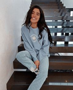 Teen Girl Outfits, Trendy Outfits, Photo To Video, Celebrity Style Casual, Aesthetic Photo, School Outfits, How To Wear, Clothes, Tops