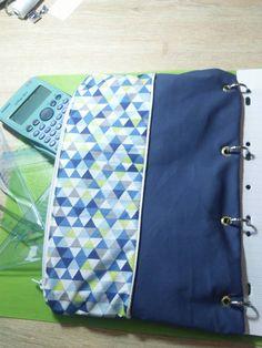 Trousse de classeur pour par exemple ranger le matériel de Maths....  Visible sur la page Facebook Créa'Cia.