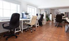 Voll ausgestattete Arbeitsplätze in Agenturbüro nahe der Isar #Büro, #Bürogemeinschaft, #Office, #Coworking, #München, #Munich