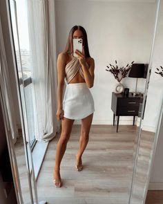 Post Baby Fashion, Look Fashion, Fashion Outfits, Spring Summer Fashion, Spring Outfits, Boho Boutique, Minimal Outfit, Vogue, Shorts