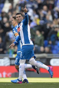 Espanyol's midfielder Jose Antonio Reyes celebrates his goal during the Spanish league football match RCD Espanyol vs Sevilla FC atthe Cornella-El Prat stadium in Cornella de Llobregat on January 29, 2017. / AFP / Josep Lago