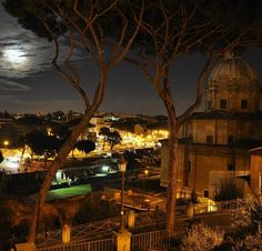 The magnificence of #rome by night #fridaynight #italy