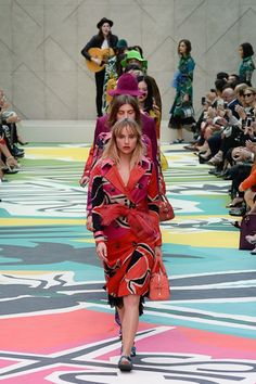 Burberry Prorsum Spring 2015. See the whole collection on Vogue.com.